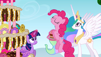 Pinkie Pie about to eat the cake S2E24