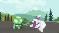 S02E07 Tank chce zabawkę Opal