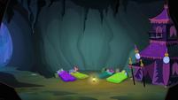 Scootaloo awake in cave S3E6