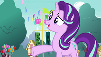 Starlight Glimmer introduces herself to Ember S7E15