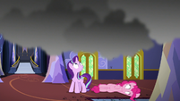 Starlight Glimmer notices smoke over her head S6E21