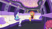 Sunset and Rarity riding inside a limo CYOE5a