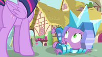 Twilight discovers Spike S4E23