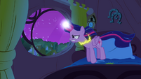 Twilight slowly levitating S4E26