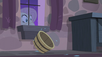 Fluttershy sees an empty tub rolling inside Starlight's room S5E02