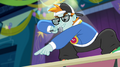 MC Snips pointing toward the crowd EG2.png