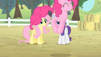 Pinkie Pie hopping S4E07