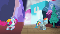 Pinkie Pie jumps into the game world S6E17