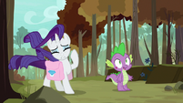 Rarity with windswept mane; Spike sees Peewee S8E11