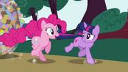 S01E10 Pinkie i Twilight w biegu