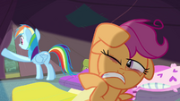 Scootaloo shielding her eyes from the light S3E06