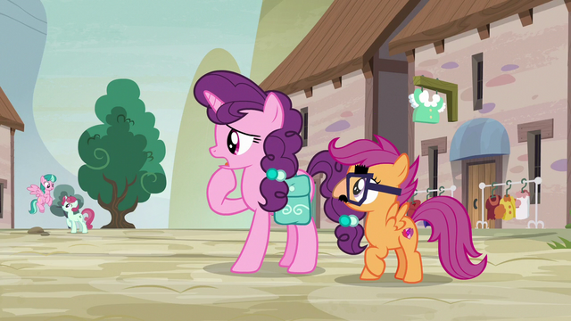 """File:Sugar Belle """"it's just the one street"""" S7E8.png"""