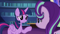 Twilight --neither should you-- S6E1