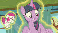 Twilight Sparkle looking very concerned S7E3