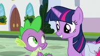 Twilight and Spike smile at each other S9E5