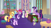 Twilight and friends hear the school bell S8E1