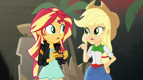 "Applejack ""better pocket that"" EGS2"