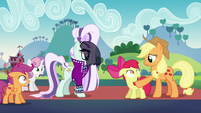 Applejack waves her hoof in Apple Bloom's face S5E24