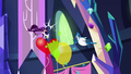 Birds peck at Pinkie Pie's balloons S5E3.png