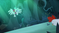 Celestia zooms up into the trees S9E13