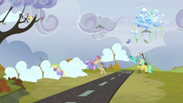 Clouds being moved to the ground S5E5