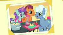 Photo of theater ponies preparing food S5E16