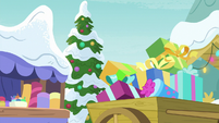 Presents gathered into wagon MLPBGE
