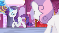 Rarity levitating the dresses S4E19