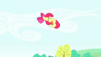 S04E20 Apple Bloom skacze do wody