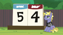 Scoreboard reads final score of 5-4 S9E15