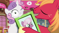 Sweetie Belle hit with frame S2E17