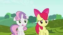 Sweetie Belle impressed by Applejack's cart S6E14