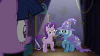 Twilight calling out to Trixie S6E6