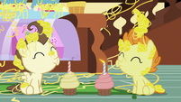 Cake twins blow out their sneeze-iversary candles S7E19