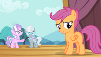 Diamond Tiara and Silver Spoon mocks Scootaloo S4E05
