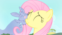 Fluttershy and the baby bat S4E07