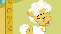 "Goldie Delicious ""you decided to lose for us!"" S8E5"