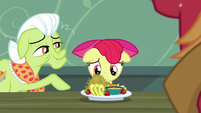 Granny Smith giving Apple Bloom breakfast S5E17