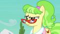 Ms. Peachbottom raising an eyebrow S03E12.png