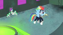 Rainbow Dash hovering S4E06