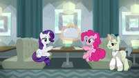 Rarity and Pinkie being served restaurant food S6E12