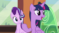 "Twilight ""will love all our gifts"" S6E1"