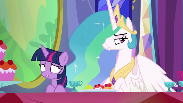 File:Twilight getting even more worried S6E6.png