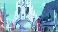 Vista limpa do Castelo de Cristal T03E01