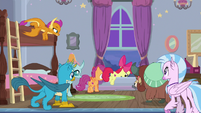 Young Six and CMC leave the dorms S8E26