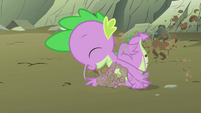 Spike digging S01E19