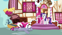 Rarity and Pinkie look at attacked Royal Riff S2E19