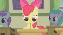 Apple Bloom taking notes S1E12