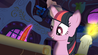 Twilight writing basic information about comets S1E24