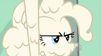 Dough-covered Pinkie Pie frowning S02E13